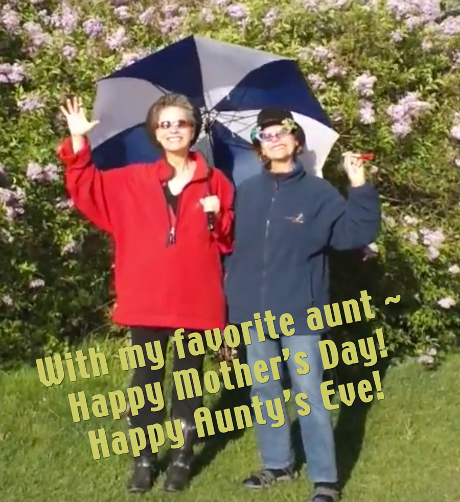 favorite-aunt-umbrella-outside-smile