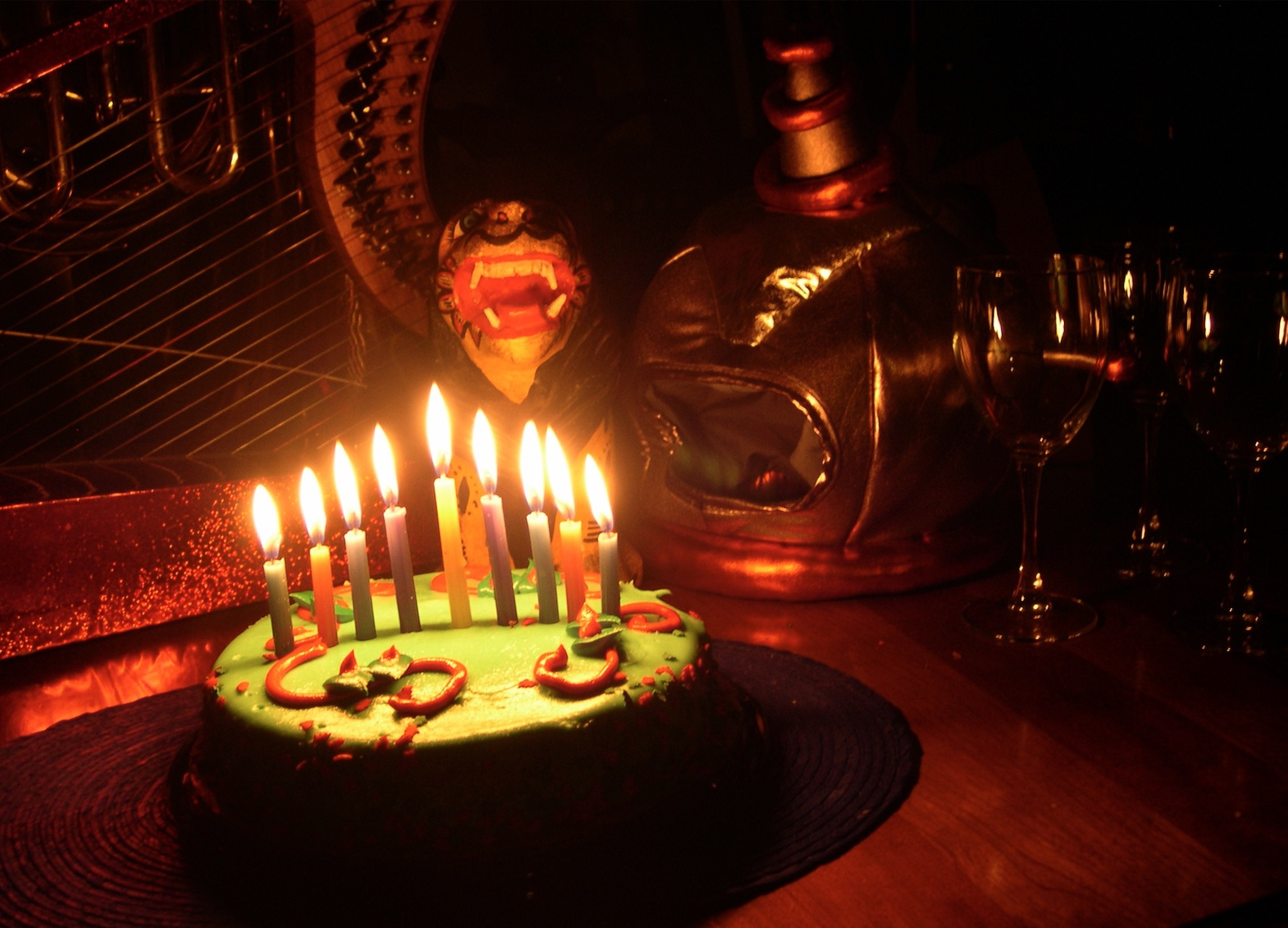 birthday-cake-hanuka-lion-flame-harp